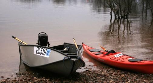 Porta Bote montata langa canoe